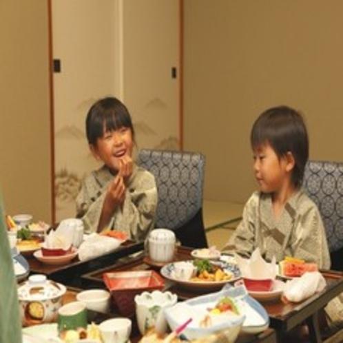 2009.7お子様食事風景2