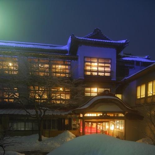 「正面玄関」冬の夕暮れ