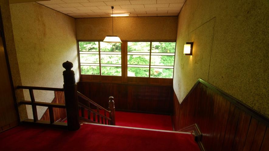 本館階段踊り場