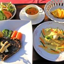 *【夕食一例/グレードUP】野菜・肉・魚とバランスの取れた料理。