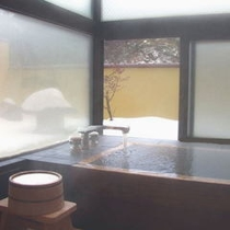 華松亭の内露天風呂!!冬は雪見で一杯もいいね♪