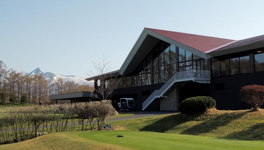 【ゴルフ】クラブハウス外観