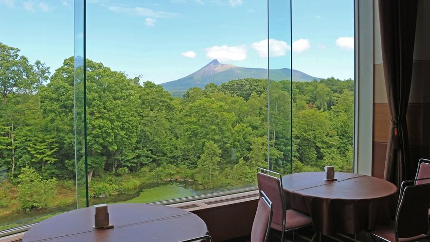 【レストラン】プリンスホール眺望