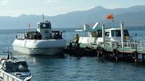 ◆水中遊覧船/潜水艦タイプの「サファイア号」(左)と2階建の「エメラルド号」
