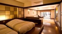 ◆【露天風呂付】和洋室/広々とした室内から続く露天風呂で、温泉を気兼ねなく(客室一例)