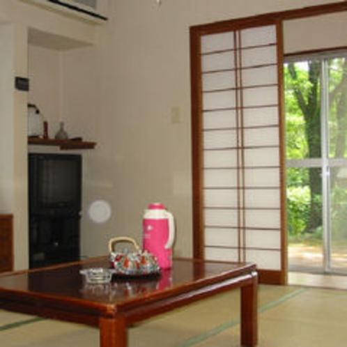 新8帖和室とツインベットの和洋室