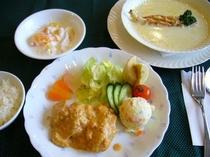 子供食(鶏のカレー煮込み)