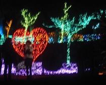 ぐらんぱる公園グランドイルミ・ピンクの中心で「愛」を叫ぶ?