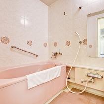 *【部屋】バス・トイレが別となっておりますので、気兼ねなくご利用いただけます。