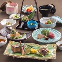 【和会席料理】旬の素材を活かしたお料理をお愉しみください。