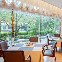 *【レストランひむか】光豊かな空間で、バラエティに富んだ宮崎の食材をぜひご堪能ください。