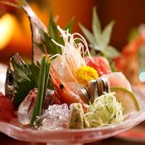 【料理】季節の会席料理 厳選素材の「いさば駿河盛り」