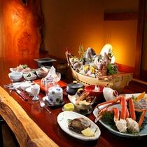 【料理】アワビが主役の会席料理」(季節により内容が異なります)