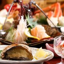 【料理】季節の会席料理 伊勢エビお造り&アワビ」(季節により内容が異なります)