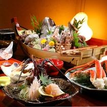 【料理】伊勢エビが主役の会席料理」(季節により内容が異なります)