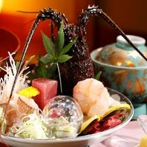 【料理】季節の会席料理 伊勢エビとお造り盛り