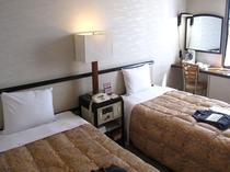 ツインルーム19平米(ユニットバスとベッド2台のみ)
