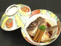 別注の鯛のあら炊きは1人前@1,500円(税サ込)
