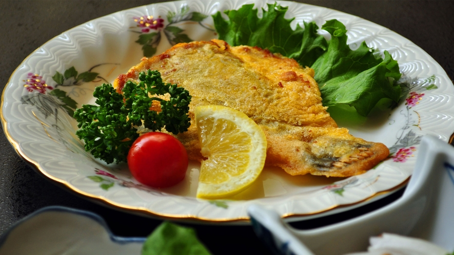 【ビジネスご夕食】イタリア料理のカレイのピカタ。(一例)