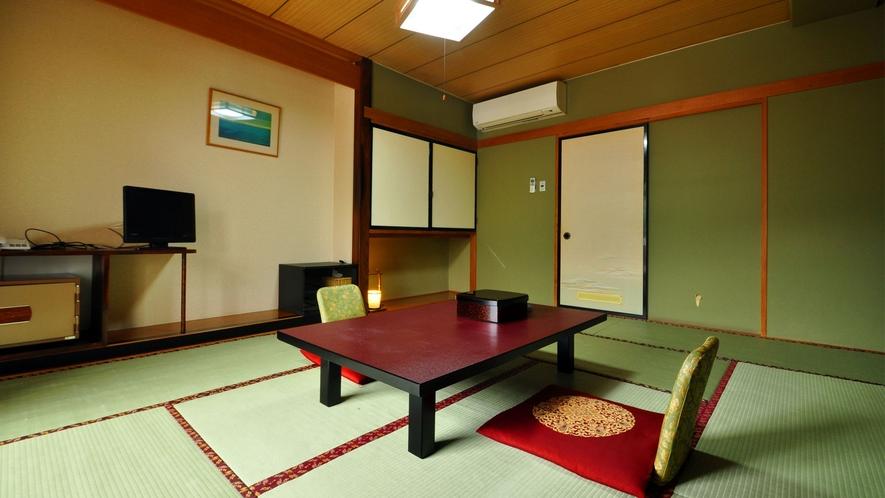 【和室10畳】趣のある寛ぎの和室。