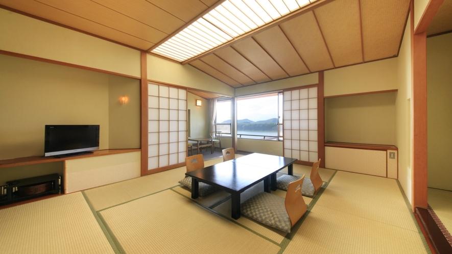 【客室一例】秀翠館 和室/ワンランク上のゆったりとした空間でお寛ぎください。