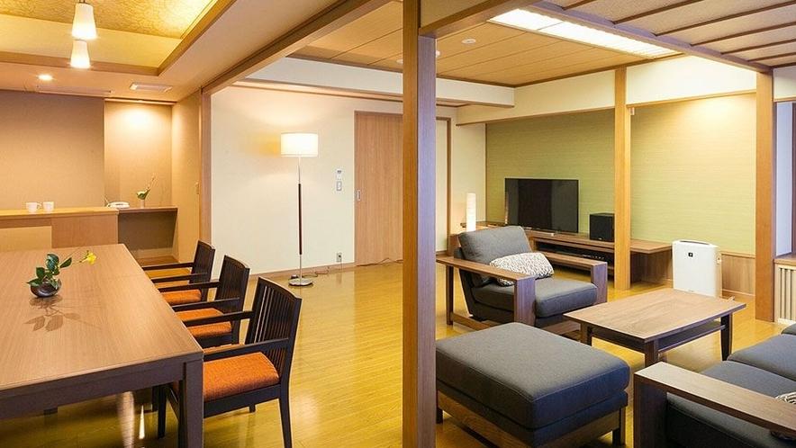 【客室一例】<別邸うらら>露天風呂付客室 スイート「宙」/リビングルーム