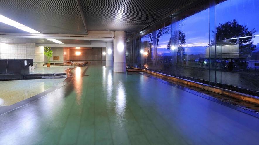 【大浴場 大観の湯】大浴場の広さは北東北最大級!100%源泉かけ流し温泉です。