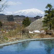 露天風呂からの岩手山(冬)