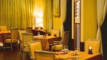 【レストラン ウインザー】草津温泉の中では歴史あるリゾートホテル。その時間の流れを感じる店内。