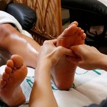 【足つぼマッサージ】湯上りに更に心地よい癒しの時間。