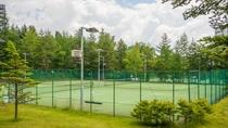 【テニス】高原の爽やかな風に当たりながら楽しめるテニスコート(4月下旬~11月)