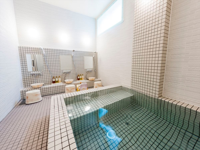 ラジウム鉱石人工温泉 女性浴場