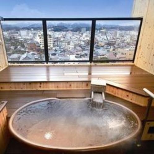 客室露天風呂(信楽焼の一例)