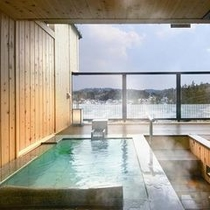 客室露天風呂(石造りの一例)
