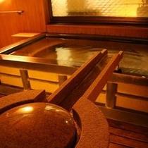 大浴場露天石風呂は飛騨高山温泉利用