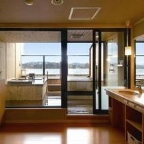 露天風呂付客室(石造り)湯あがり処の一例