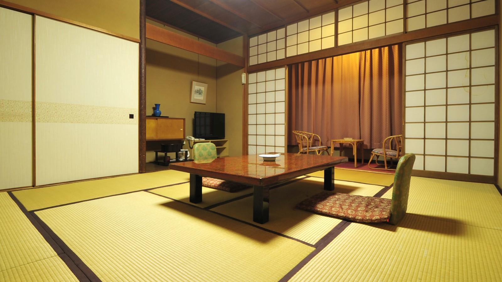 *西館和室(バスなし・トイレ付)/窓からは眼下に流れる那珂川をご覧頂けるお部屋です