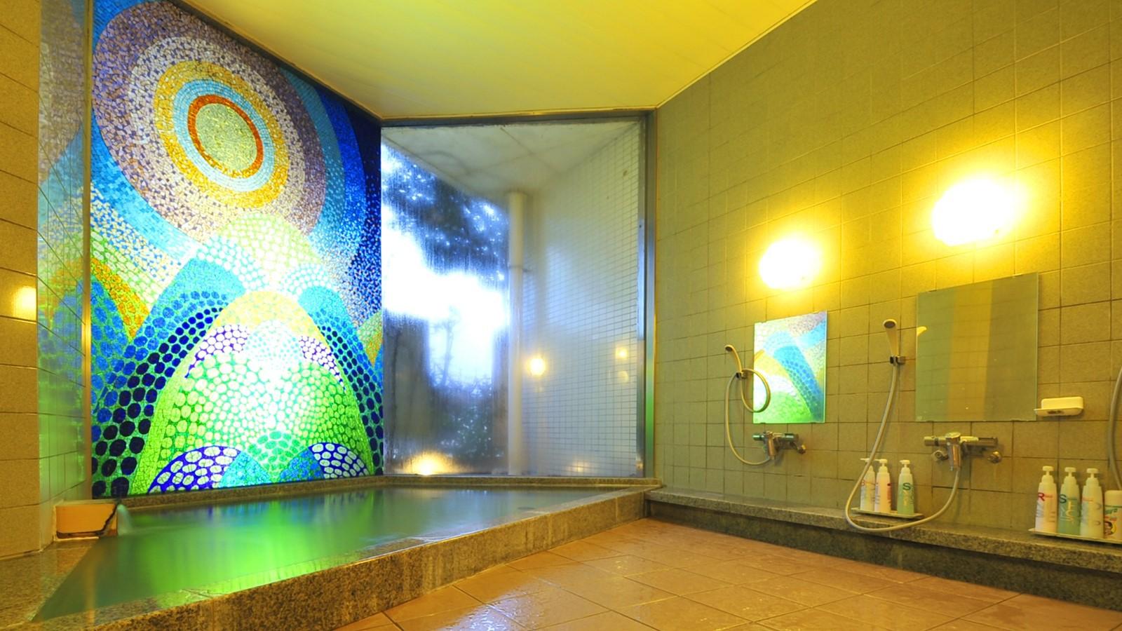 *家族風呂/大浴場には家族風呂も備えております