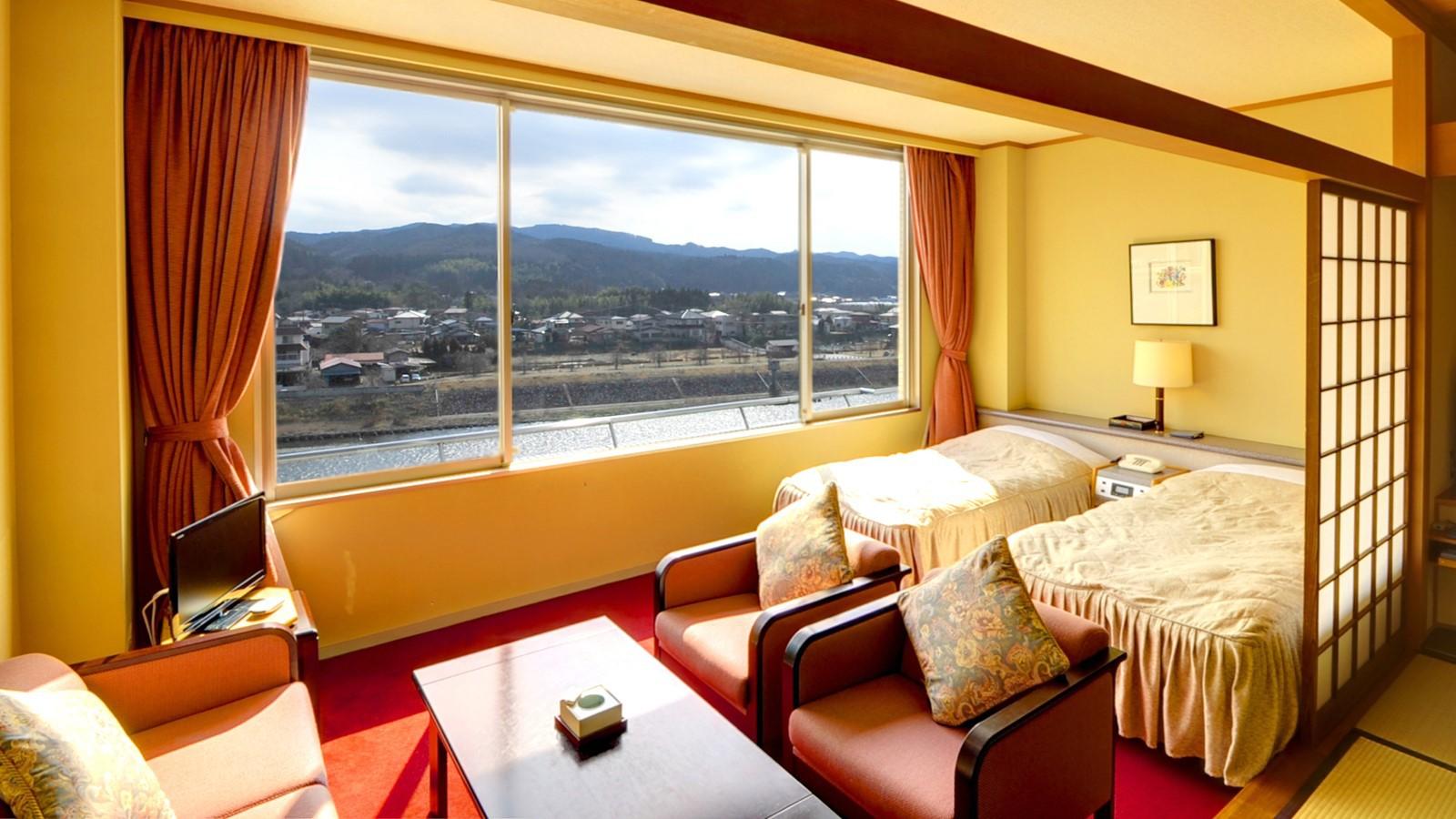 *東館特別和洋室(バス・トイレ付)/窓の外には那珂川が流れる、開放感たっぷりのお部屋