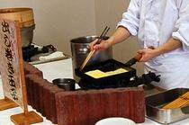 朝食会場:だし巻き卵