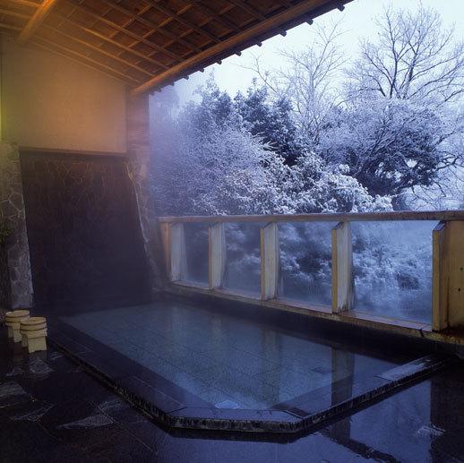 露天風呂(雪景色)
