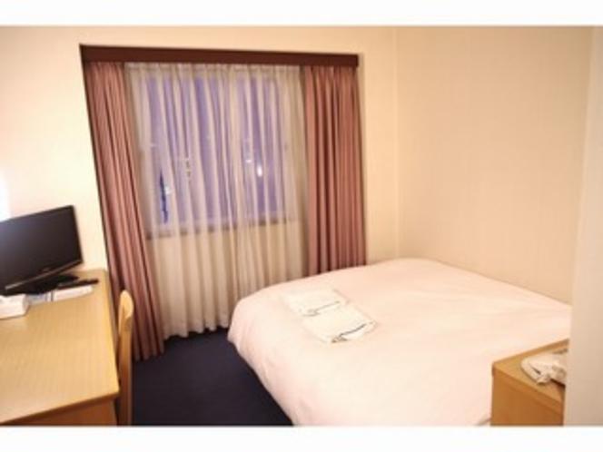 ■客室:シングルルームのベッド幅は120cm幅とゆったりサイズ!