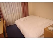 ■客室:スタンダードダブルタイプのお部屋はリーズナブル!
