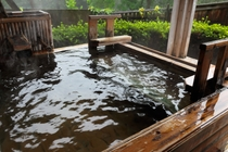 大自然のなかの貸切露天風呂(さつきの湯)