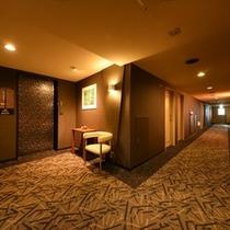 3F エレベーターホール