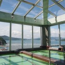 【展望風呂】天気の良い日は本当に海や島がきれいに望めます