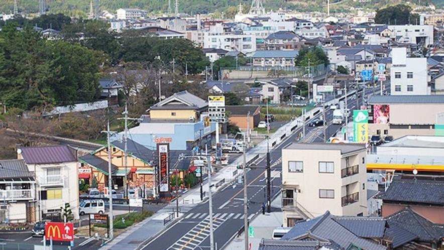 *国道24号線沿いに立地→画像は屋上より奈良方面