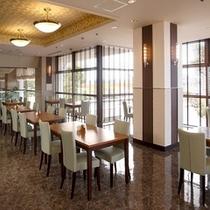 2階レストラン『ヤマザクラ』朝