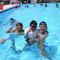 夏季オープン ホテルのプール