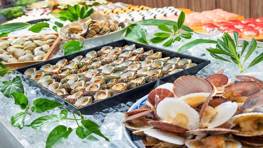 海鮮浜焼きも食べ放題!約50種類の郷土料理バイキング